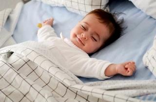 Как выровнять дыхание во сне у новорожденного