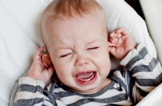 Ребенок плачет перед сном