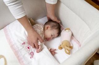 Ребенок во сне всхлипывает