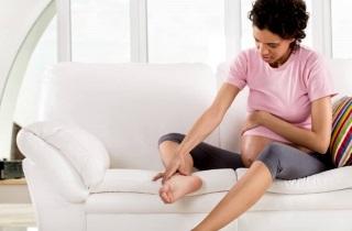 Почему крутит ноги у беременных женщин