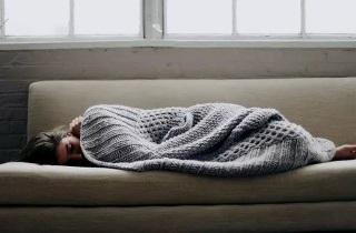 Из-за чего постоянно хочется спать